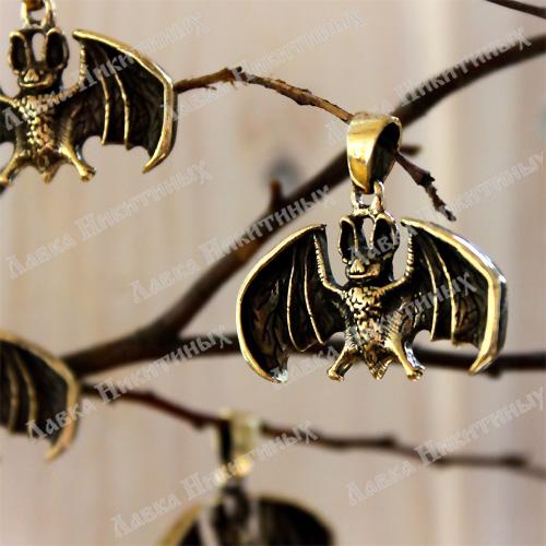 Крылатый летучий Мыш